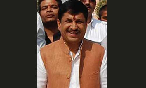 कमलनाथ सरकार का समर्थन करने वाले विधायक नारायण त्रिपाठी ने किया अनुच्छेद 370 हटाने का समर्थन