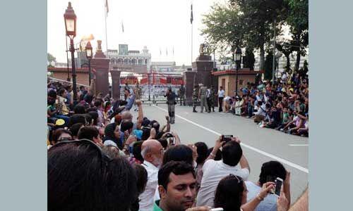 #Article370 : 13 भारतीय राजनायिकों ने परिवार के साथ पाकिस्तान छोड़ा