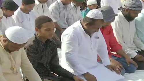 यूपी में ईद-उल-अजहा की नमाज अदा के बाद मनाया त्यौहार, उप मुख्यमंत्री शर्मा ने दी बधाई
