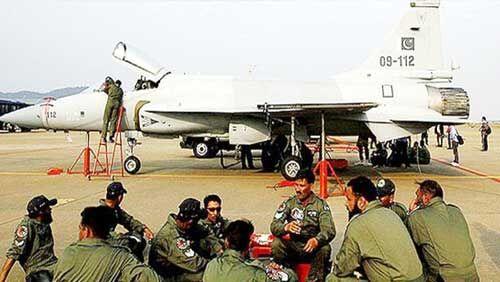 पाकिस्तान ने लद्दाख के पास एयरबेस पर फाइटर जेट किये तैनात, भारत रख रहा  कड़ी नजर