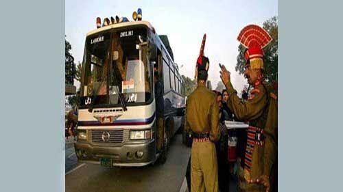 भारत-पाक के बीच ट्रैन के बाद बस सेवा भी हुई रद्द