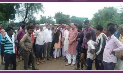 केन्द्रीय मंत्री नरेंद्र सिंह तोमर के पुत्र देवेंद्र ने किया बाढ़ प्रभावित क्षेत्र का दौरा