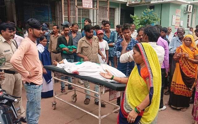 प्रसव के दौरान जच्चा बच्चा की मौत पर परिजनों ने किया हंगामा