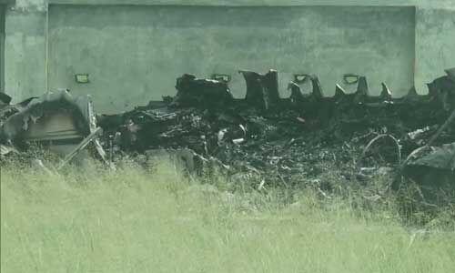 अलीगढ में बड़ा हादसा, तारों में उलझकर प्लेन क्रैश, 6 यात्री बाल-बाल बचे