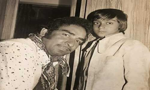#TeacherDay : अजय देवगन ने पिता को किया याद, कहा- उन्होंने पढ़ाया जीवन का अनमोल पाठ
