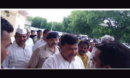 मंत्री प्रद्युम्न सिंह ग्वालियर एयरपोर्ट पर CISF जवानों से उलझे, जानें क्या है मामला