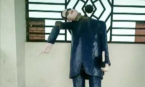 बाबा भीमराव अम्बेडकर की प्रतिमा क्षतिग्रस्त होने पर मचा बवाल, लोगों ने किया पथराव