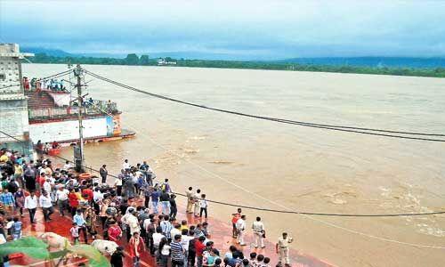 मध्य प्रदेश में तेज बारिश के चलते खतरे के निशान से ऊपर पहुंची नर्मदा, कई जिलों में भारी बारिश का अलर्ट