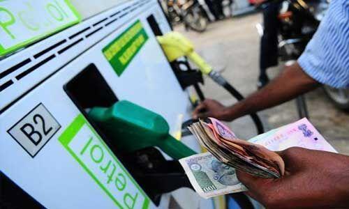 पेट्रोल-डीजल के लगातार दाम में हो रही है वृद्धि