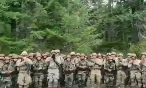 अमेरिकी सैनिकों ने हिंदी गाने बदलूराम का बदन पर थिरके, देखें वीडियो