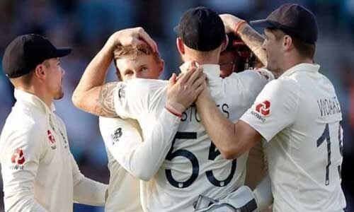 इंग्लैंड 135 रन से जीता, 2 को मिला मैन ऑफ द सीरीज अवार्ड