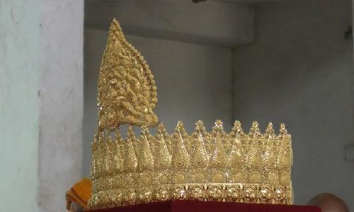 प्रधानमंत्री मोदी के जन्मदिन पर संकटमोचन मंदिर में सोने का मुकुट चढ़ाया