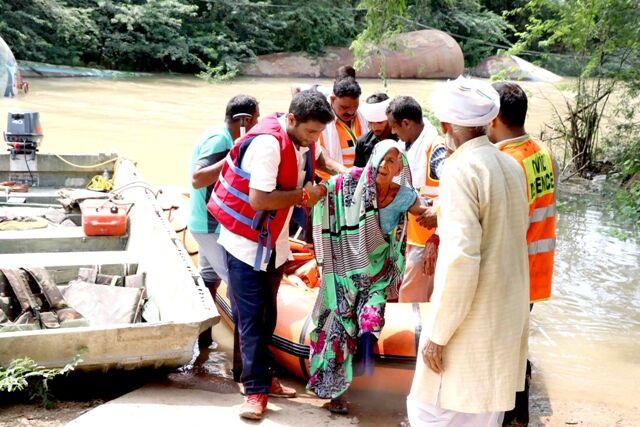 भिण्ड जिले में सुरक्षित स्थानों पर पहुंचाए गए 2500 से ज्यादा बाढ़ पीड़ित