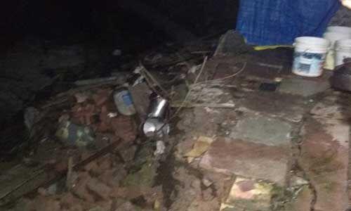 इंदौर में दो मंजिला मकान ढहा, मलबे में दबने से सात घायल