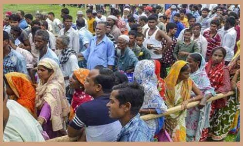 पश्चिम बंगाल में एनआरसी का खौफ, जन्म प्रमाण पत्र के लिए लग रही लंबी कतार