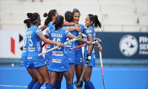 इंडियन महिला हॉकी टीम ने इंग्लैंड को 2-1 से हराया