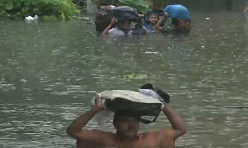 यूपी, बिहार में बारिश से मचा कोहराम, 80 लोगों की मौत