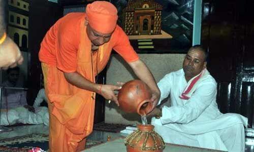 कलश की स्थापना कर 9 दिन व्रत रखेंगे मुख्यमंत्री योगी आदित्यनाथ