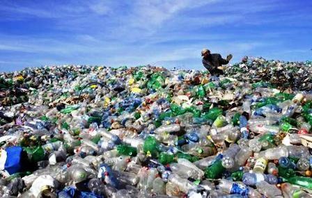 प्लास्टिक कचरे से निपटने की बढ़ती चुनौती