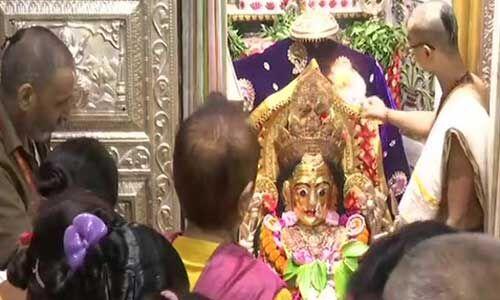 देशभर में धूमधाम से मनाई जा रही है दुर्गाष्टमी, मंदिरों में उमड़े श्रद्धालु,राष्ट्रपति, प्रधानमंत्री मोदी ने दी बधाई