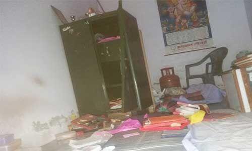 फिरोजाबाद में ज्वैलर्स की दुकान में लाखों की चोरी