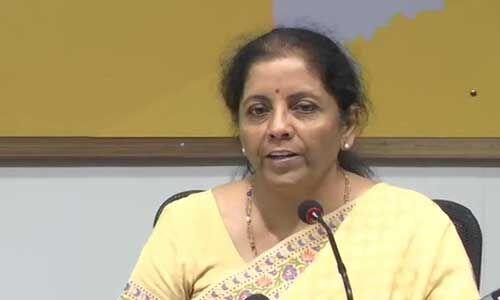 अर्थव्यवस्था के विभिन्न क्षेत्रों में और भी सुधार करने प्रतिबद्ध है सरकार : वित्त मंत्री