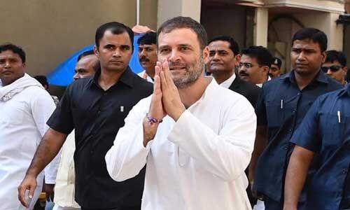 राहुल ने केंद्र सरकार पर बोला हमला, कहा - चांद पर रॉकेट जानें से पेट नहीं भरता