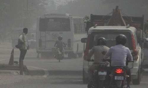 दिल्ली-एनसीआर बना गैस चैंबर, एक्यूआई पहुंचा 312