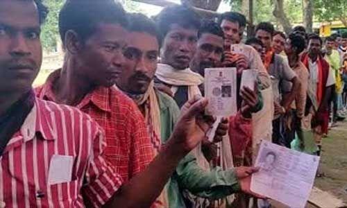 उप चुनाव : छत्तीसगढ़ में छह उम्मीदवारों के भाग्य ईवीएम में बंद, 75 प्रतिशत मतदान