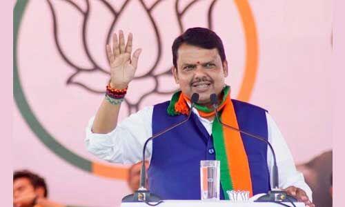 महाराष्ट्र में मंगलवार को फिर से सीएम पद की शपथ लेंगे फडणवीस : सूत्र