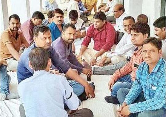 मंत्री लाखन सिंह के भतीजे ने सीईओ को दी जातिगत गालियां