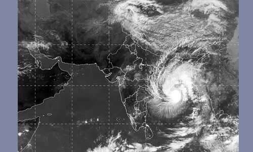बंगाल में चक्रवात बुलबुल से हुई भारी तबाही, 1.65 लाख लोग प्रभावित