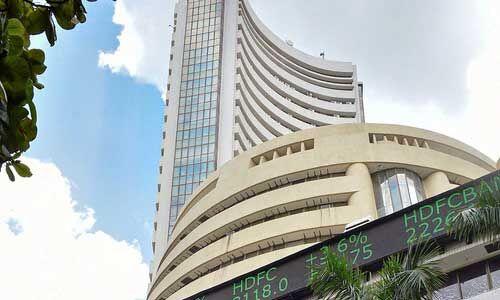 बीएसई : बीते सप्ताह शीर्ष दस में से चार कंपनियों के बाजार पूंजीकरण में 55,681.8 करोड़ रुपये का नुकसान
