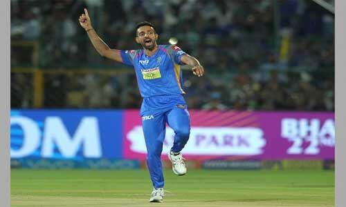 अगले सत्र में तेज गेंदबाज धवल कुलकर्णी मुम्बई इंडियंस की तरफ से खेलते हुए नजर आएंगे