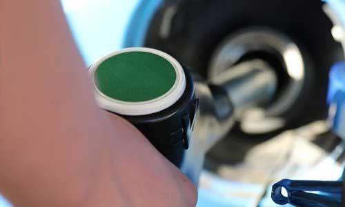VAT बढ़ने से कई जगह महंगा हुआ पेट्रोल