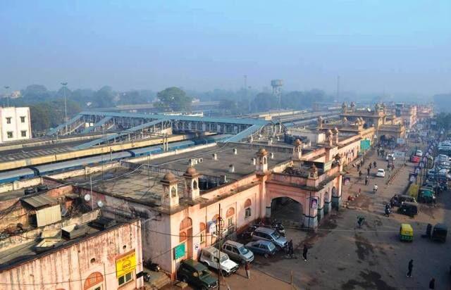 रेलवे स्टेशन पर प्रतिदिन 20 हजार से अधिक लोगों की आवाजाही, एंट्री के दौरान नहीं होती चैकिंग, खतरे में सुरक्षा