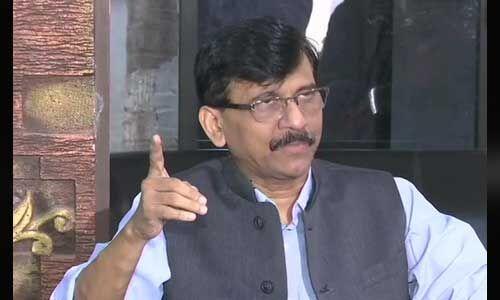 महाराष्ट्र में भाजपा की सरकार बनने पर बौखलाई शिवसेना, कहा - अंधेरे में अजित पवार ने डाला डाका