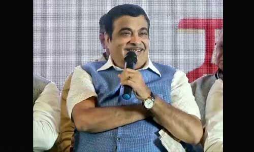 नितिन गडकरी ने कहा - नेहरू, इंदिरा के राज में सिर्फ कांग्रेस नेताओं, चमचों की गरीबी दूर हुई