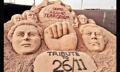 26 /11 पर बॉलीवुड ने शहीदों को दी भावभीनी श्रंद्धांजलि