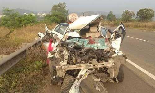 भीषण सड़क हादसा : पीलीभीत में कार पलटने से 5 की मौत, 5 घायल