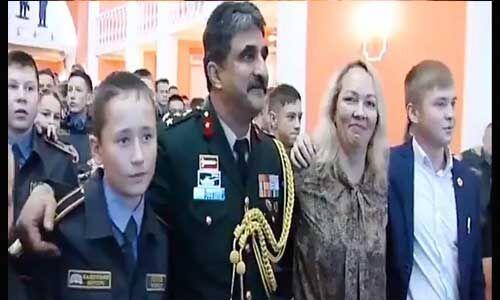 रूसी सेना के कडैट्स ने गाया ए वतन...