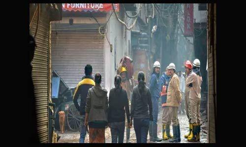 दिल्ली में अवैध तरीके चल रही है फैक्टरियां