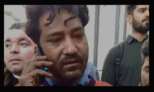 दिल्ली आग में फंसे युवक ने भाई को फोन पर कहा - मुझे बचा लो मैं मरना नहीं चाहता हूं