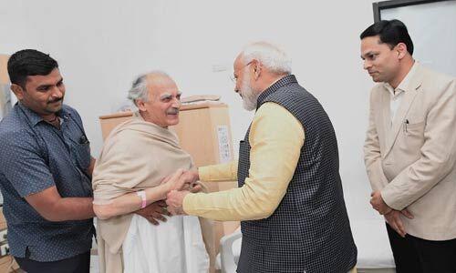 अरुण शौरी से अचानक मिलने पुणे अस्पताल में पहुंचे प्रधानमंत्री मोदी