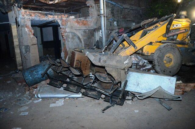 डॉ. भल्ला का स्थगन खारिज, सहारा हॉस्पिटल के अवैध निर्माण को तोड़ने पहुंचा अमला, कार्रवाई जारी