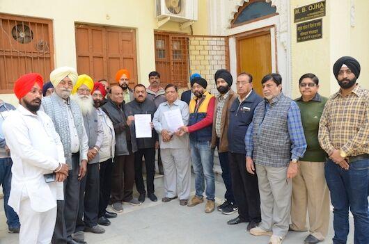 डॉ. भल्ला के समर्थन में आए भाजपा और पंजाबी परिषद