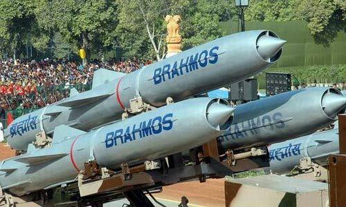 सतह से सतह पर मार करने वाली ब्रह्मोस सुपरसोनिक क्रूज मिसाइल का हुआ सफल परीक्षण