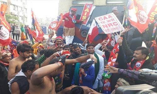 CAA विरोध में बिहार बंद, कई जगह ट्रेनें रोकीं, आंदोलकारियों से निपटने को पुलिस बल सतर्क