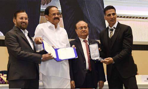 राष्ट्रीय फिल्म अवार्ड्स : विक्की, आयुष्मान ने जीता सर्वश्रेष्ठ अभिनेता और कीर्ति सुरेश को मिला सर्वश्रेष्ठ अभिनेत्री का पुरस्कार