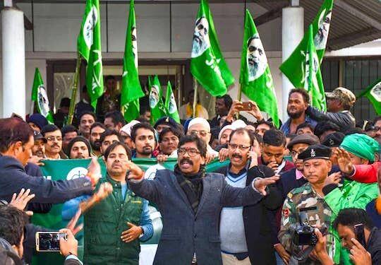 लोकतंत्र मतदान व्यवहार को परिपक्वता देता झारखंड का जनादेश